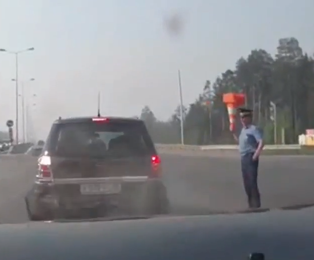 These Are The Dumbest Cop Drivers On The Planet (VIDEO)
