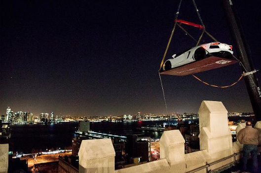 See $1M-worth of Lamborghinis dangle high above New York