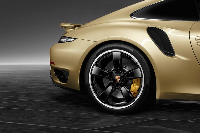 Porsche Exclusive Crafts a Gold-Painted 911 Turbo (PHOTOS)