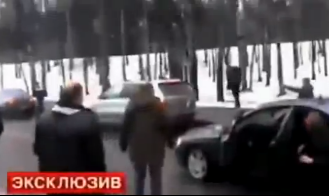 Russian Road Rage Turns Into Full Blown Shootout (VIDEO)