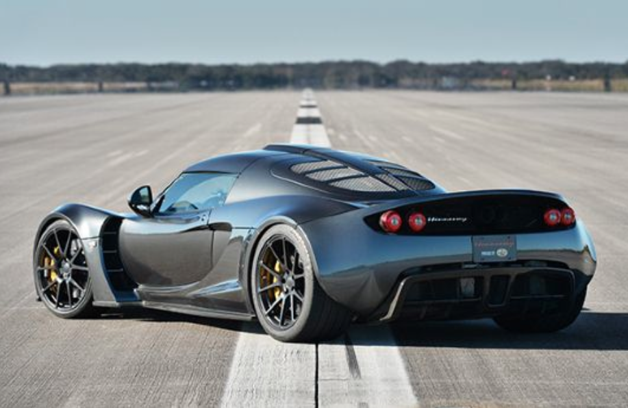 Hennessey Venom GT breaks production car top speed record