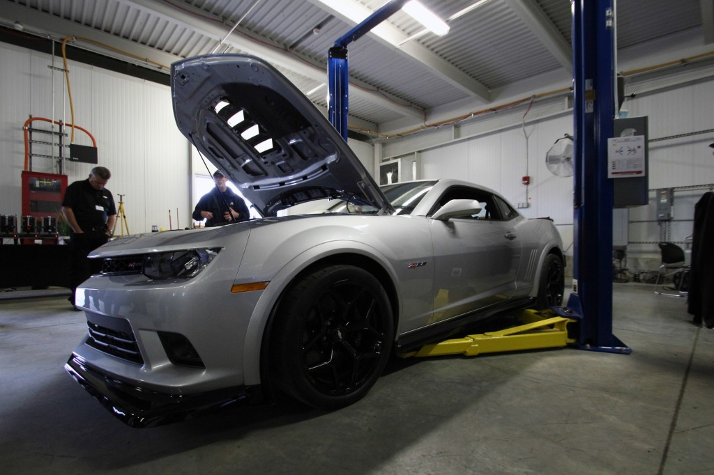 2014-chevrolet-camaro-z-28-first-ride_100443223_l