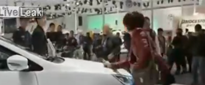 Woman Scratches a Display Car So That Her Husband Will Buy It Her! (VIDEO)
