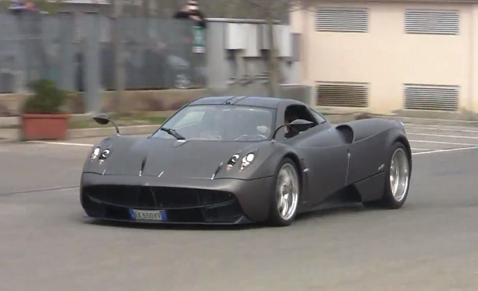 Pagani Test Driver son on lap