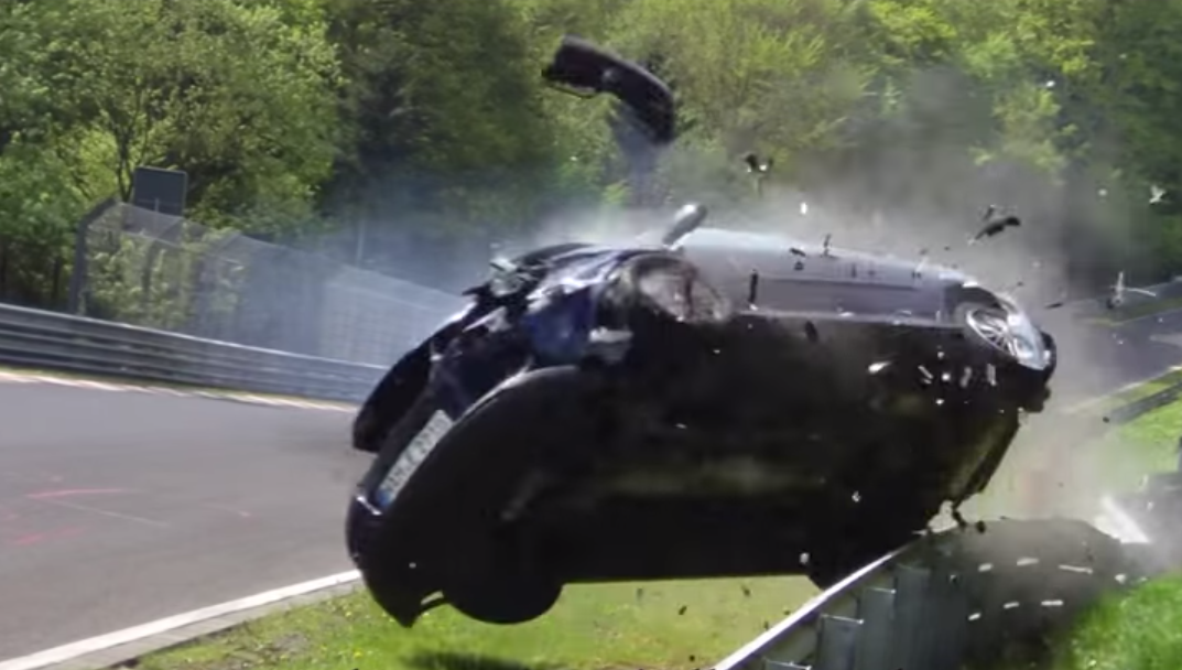 VW Golf GTI CRASH Nurburgring