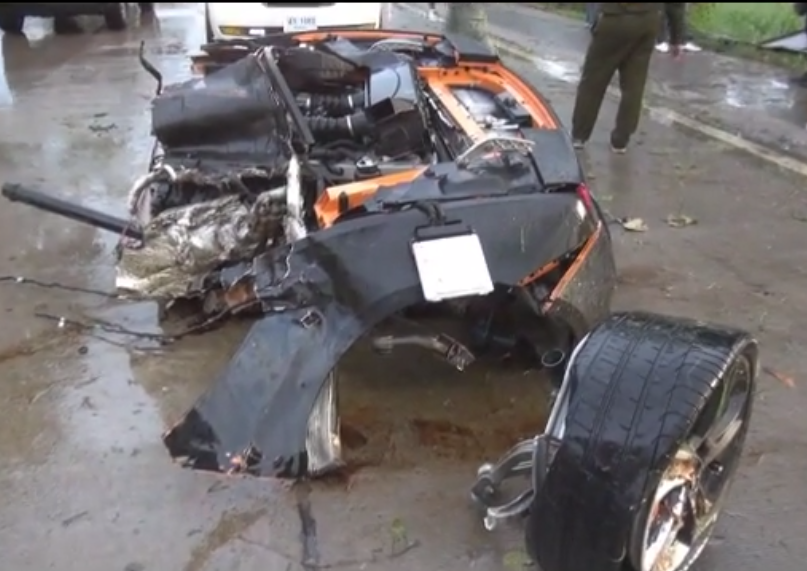 Lamborghini Gallardo split in half