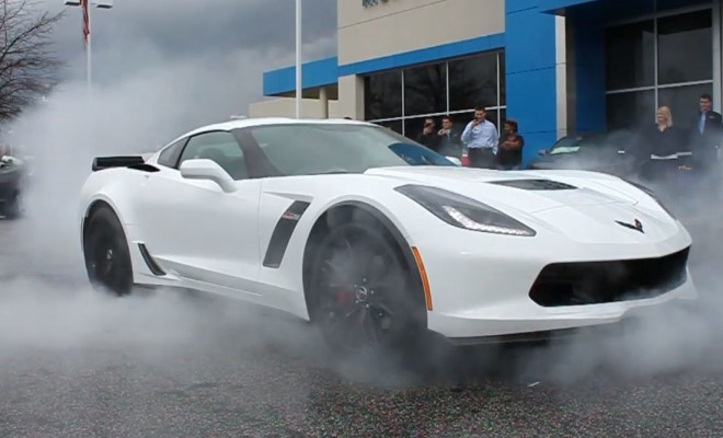 C7 Z06 Corvette burnout