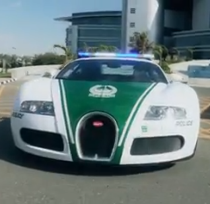 dubai police adds bugatti veyron to their supercar fleet video carhoots. Black Bedroom Furniture Sets. Home Design Ideas
