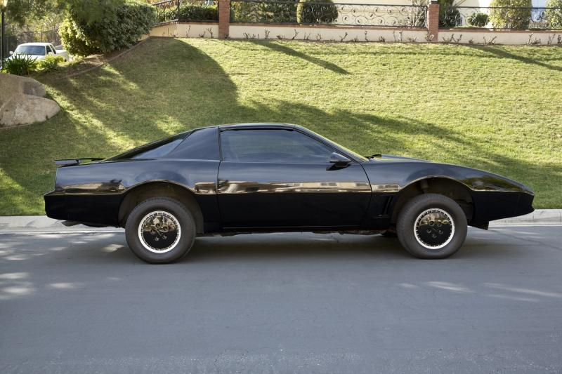 Here S Your Chance To Buy The Knight Rider Kitt From The